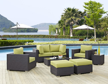 Why Rattan Makes The Best Garden Furniture?