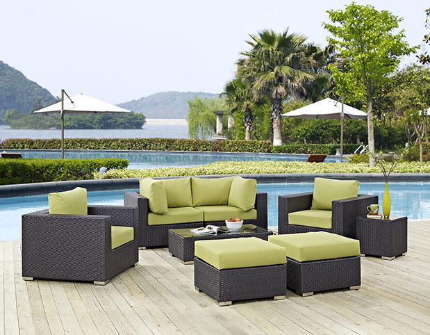 What are the correct selection of outdoor furniture materials and maintenance skills