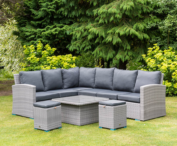 How should outdoor gardens match furniture to have both practicality and beauty